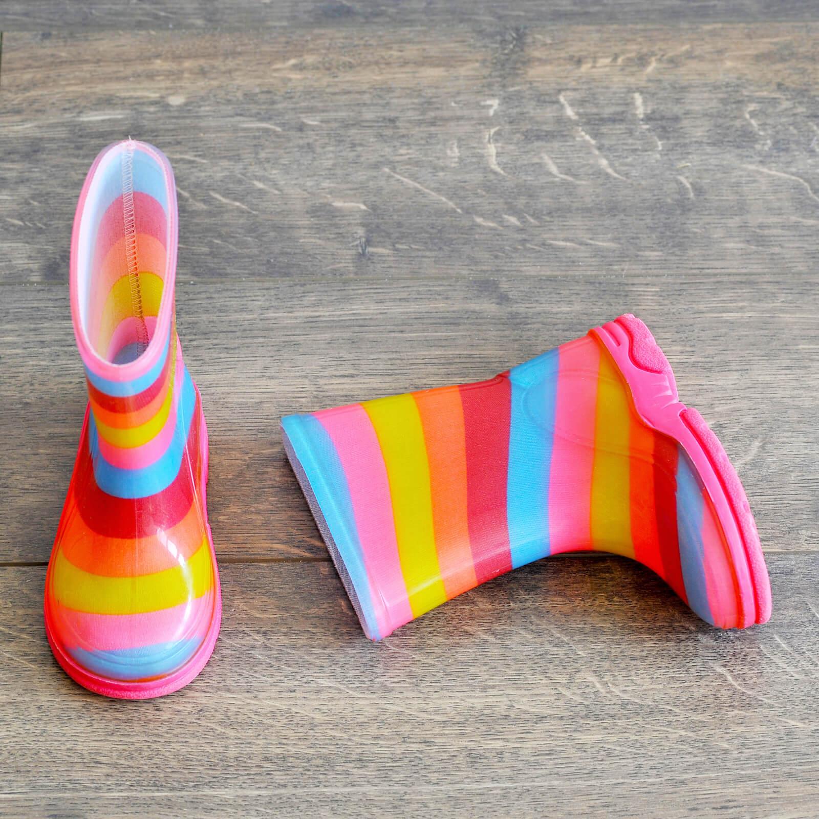 Rain shoes on vinyl flooring   Custom Floors