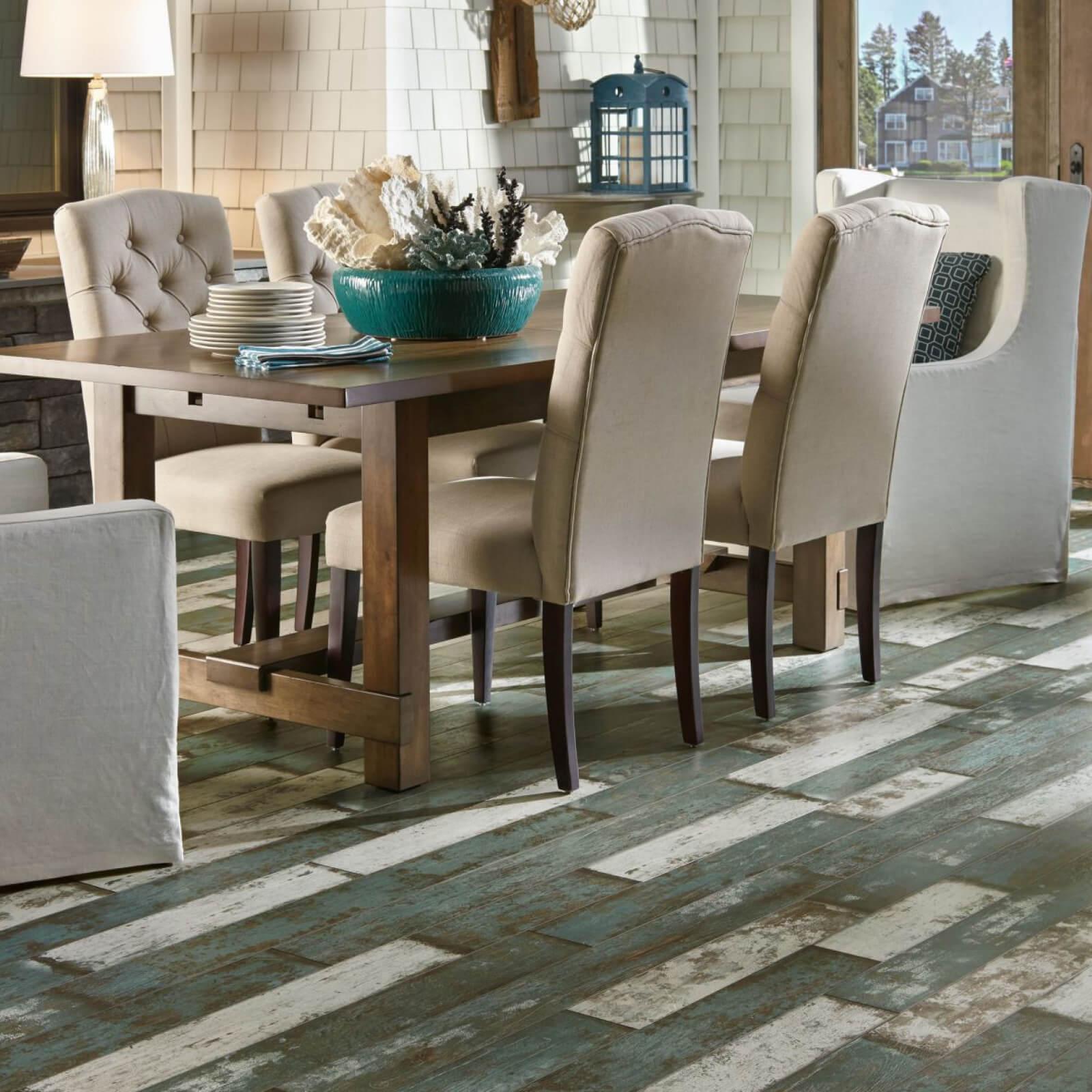 Laminate flooring in dining area | Custom Floors